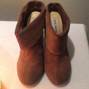 Steve Madden Suede Booties Size 8.5